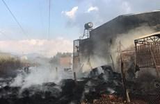 Lâm Đồng: Cháy kho chứa lốp xe cũ tại thị trấn Liên Nghĩa