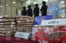 Thái Lan bắt giữ 2 đối tượng buôn bán ma túy giấu trong gói mì ăn liền