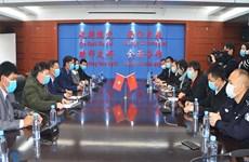 Móng Cái hỗ trợ vật tư y tế cho thành phố Đông Hưng của Trung Quốc