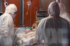 Anh cải tiến máy thở áp lực dương để phục vụ điều trị bệnh nhân nặng