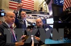Chứng khoán Âu-Mỹ tăng điểm nhẹ do giá dầu bất ngờ tăng