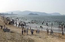 Hàng ngàn du khách đổ về biển Cửa Lò trong 2 ngày đầu nghỉ lễ