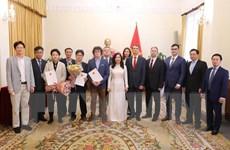 Trao Giấy phép lập Văn phòng một số cơ quan báo chí nước ngoài