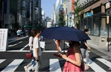 Một thành phố ở Nhật muốn cấm người dân sử dụng điện thoại khi đi bộ