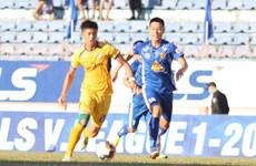 """V.League 2020: Quảng Nam giành chiến thắng sau khi """"thay tướng"""""""