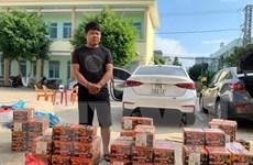 Kon Tum: Bắt giữ 2 ôtô vận chuyển gần 380kg nghi là pháo