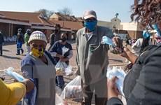 """Vì sao nhiều nước châu Phi chưa """"mặn mà"""" với gói cứu trợ?"""