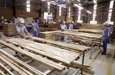 Trước mắt doanh nghiệp xuất khẩu gỗ cao su dạng tấm vẫn áp mức thuế 0%