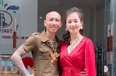 """Công an Hà Nội bắt vợ chồng """"giang hồ mạng"""" Phú Lê-Thúy Kiều"""