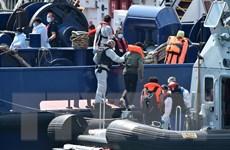 Anh: Tăng biện pháp hạn chế người di cư trái phép qua Eo biển Manche