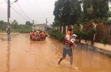 Nước lũ lên cao, 53 hộ dân ở Đồng Xoài được di chuyển đến nơi an toàn
