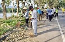 Ngày Chủ Nhật xanh, chung tay làm đẹp thành phố Huế sau cơn bão số 5