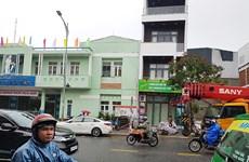 Đà Nẵng: Di dời học sinh khỏi trường học có nhà bên cạnh bị nghiêng