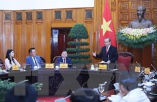 Phó Thủ tướng Trương Hòa Bình gặp mặt doanh nhân trẻ tiêu biểu