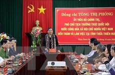 Phó Chủ tịch Quốc hội thăm, tặng quà người dân vùng lũ Thừa Thiên-Huế