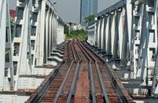 Khắc phục, bảo đảm thông tuyến đường sắt qua cầu Tam Bạc