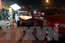 Bình Dương: Tai nạn giao thông liên hoàn, 4 người bị thương