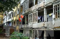 Tuyên truyền 8 hộ dân di dời ra khỏi chung cư Quang Trung đã xuống cấp