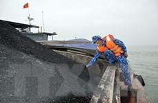 Bộ Tư lệnh Vùng Cảnh sát biển tạm giữ 850 tấn than không rõ nguồn gốc
