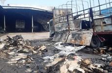 Đồng Nai: Điều tra nguyên nhân vụ cháy xưởng gỗ rồi lan sang gara ôtô
