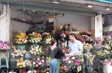 Hà Nội giá hoa tươi tăng cao, nhưng thị trường trầm lắng