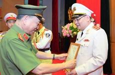 Thăng cấp bậc hàm Trung tướng với Người phát ngôn Bộ Công an Tô Ân Xô