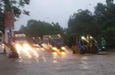 Hà Nội: Nước mưa ngập Đại lộ Thăng Long cơ bản rút hết