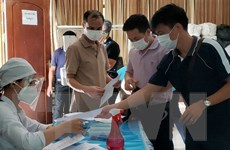 Cuộc đua thời gian giữa tiêm chủng và đợt bùng phát mới ở Campuchia
