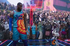 """LeBron James """"phi"""" vào phim hoạt hình, nối nghiệp Michael Jordan"""
