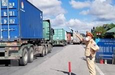 """""""Luồng xanh"""" vận tải giúp lưu thông hàng hóa ở phía Nam thông suốt"""