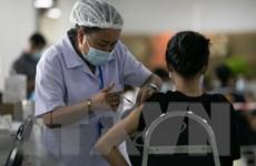Dịch COVID-19: Lào cấm tiêm kết hợp các vaccine khác nhau