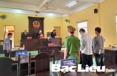 Bạc Liêu: Xét xử 2 đối tượng chống người thi hành công vụ ở chốt