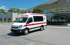 Thaco trao tặng Hà Nội 300.000 bộ kit test nhanh và 30 xe cứu thương