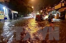 Thành phố Hồ Chí Minh: Mưa lớn kéo dài, nhiều tuyến đường ngập nặng