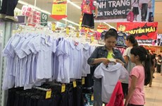 Các hệ thống siêu thị tưng bừng khuyến mãi chào năm học mới