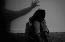 """Bé gái lớp 1 nghi bị xâm hại: Nhà trường không thể kết luận """"không có"""""""