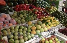 Hà Nội: Hoa quả, rau xanh tăng giá từng ngày theo nắng nóng