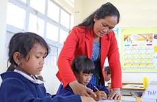 Điều tra dấu hiệu tiêu cực trong vụ hơn 500 giáo viên mất việc