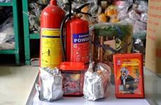 Hà Nội: Mặt nạ chống độc, thang dây hút khách sau hàng loạt vụ cháy
