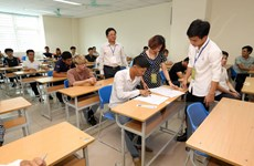 Kỳ thi tiếng Hàn: Siết chặt an ninh không để lọt thiết bị thu phát
