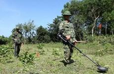 Hàn Quốc bàn giao hơn 200 thiết bị dò bom mìn cho Việt Nam