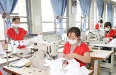 Gói hỗ trợ 62.000 tỷ đồng: Mở cho vay để 'giữ chân' người lao động