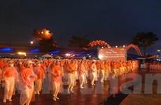 Đà Nẵng 'tô cam' hai cây cầu hưởng ứng tháng hành động bình đẳng giới