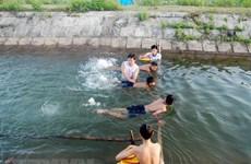 Hơn 2.000 trẻ đuối nước mỗi năm: Hệ lụy từ sự sao nhãng của người lớn