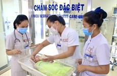 Hỗ trợ trẻ em mồ côi do đại dịch và con của sản phụ bị nhiễm COVID-19