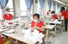 Vay vốn trả lương, phục hồi sản xuất: Cần gỡ bỏ rào cản lớn nhất