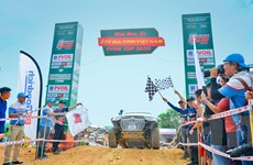 'Nín thở' với những màn đua xe địa hình gay cấn của người chơi Việt