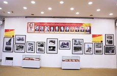 Sống lại ký ức lịch sử hào hùng qua triển lãm 'Đảng ta thật là vĩ đại'
