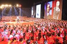 Diễn giả Nick Vujicic trở lại Việt Nam trong tháng Ba