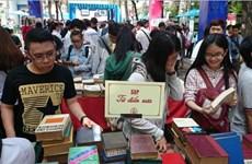 """Hàng ngàn tựa sách giảm giá tới 50% tại """"Chợ phiên sách cũ"""""""